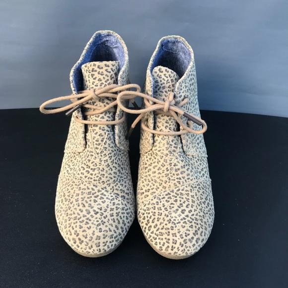 531ce286934 TOMS Desert Leopard Cheetah Wedge Booties 8.5. M 5b68e7a29264af54b741d3fa